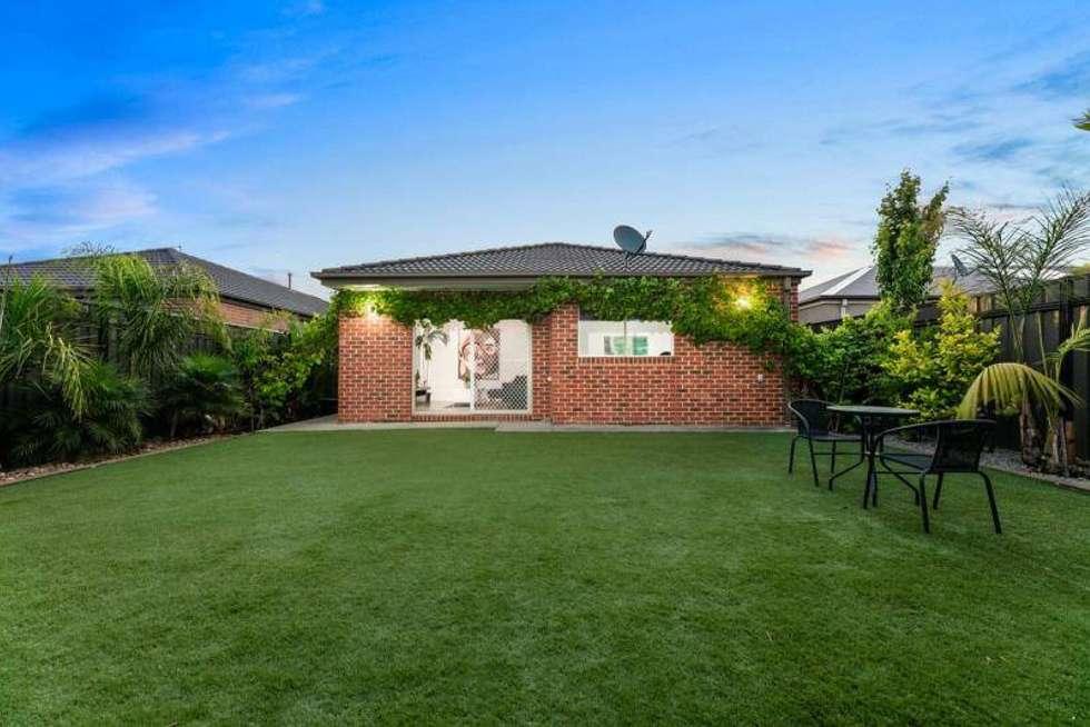 Floorplan of Homely house listing, 32 Brickwood Circuit, Craigieburn VIC 3064