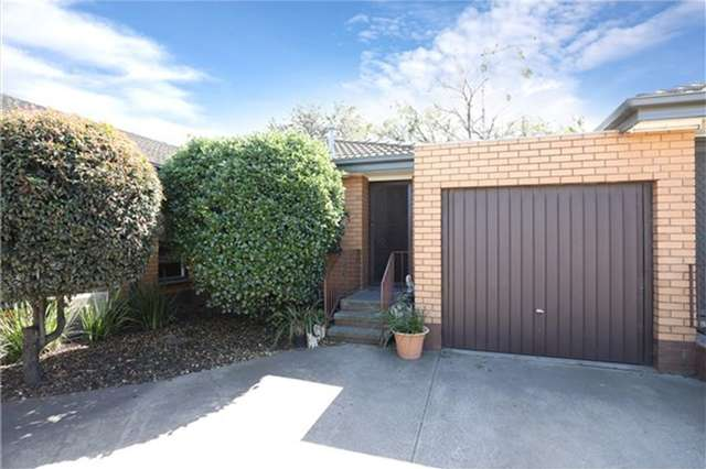 4/2 Corrigan Avenue, Brooklyn VIC 3012