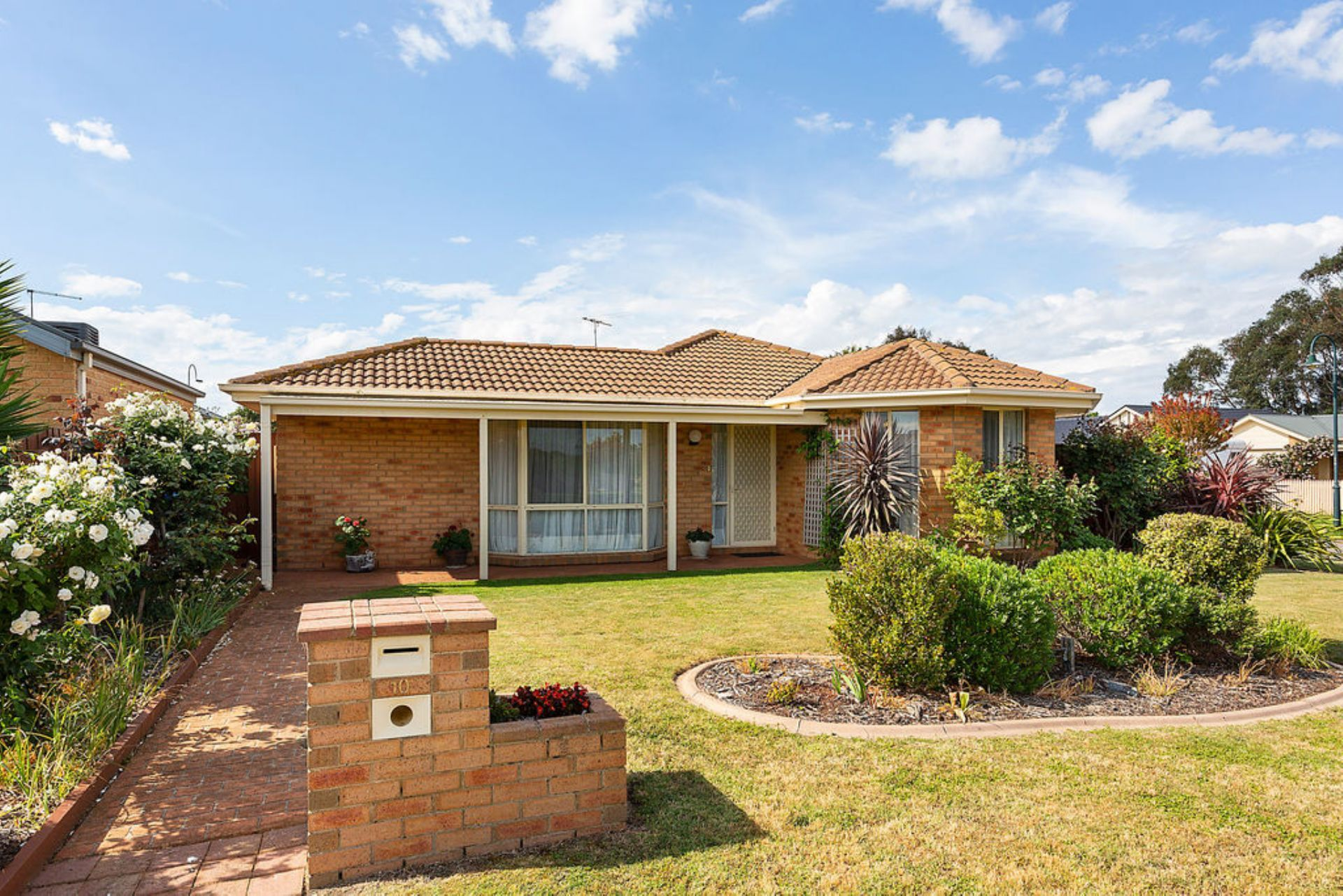 10 Silver Wattle Close