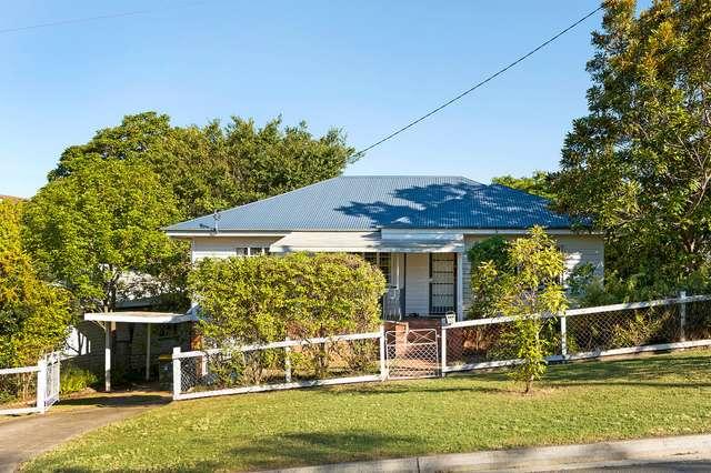 66 Broomfield Street, Taringa QLD 4068