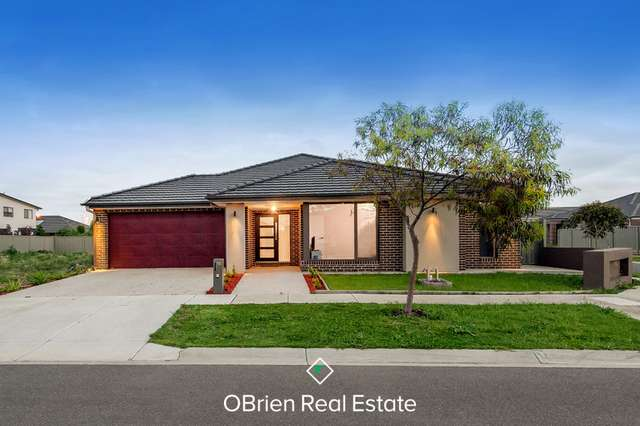 10 Shiels Street, Cranbourne East VIC 3977