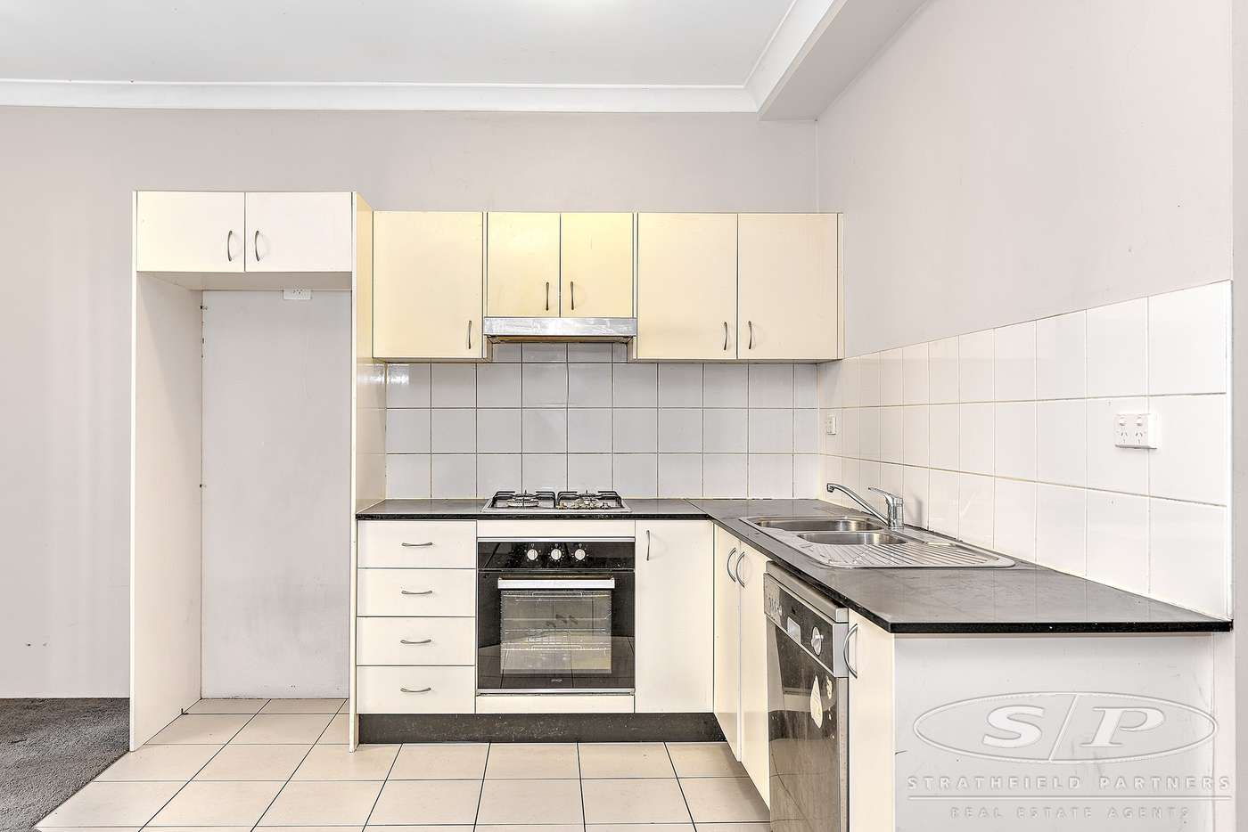 Main view of Homely unit listing, 16/9-17 Eastbourne Road, Homebush West NSW 2140
