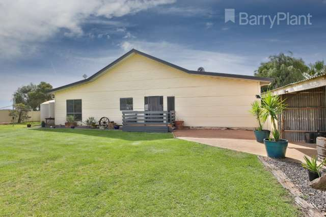 132 Twenty First Street, Koorlong VIC 3501