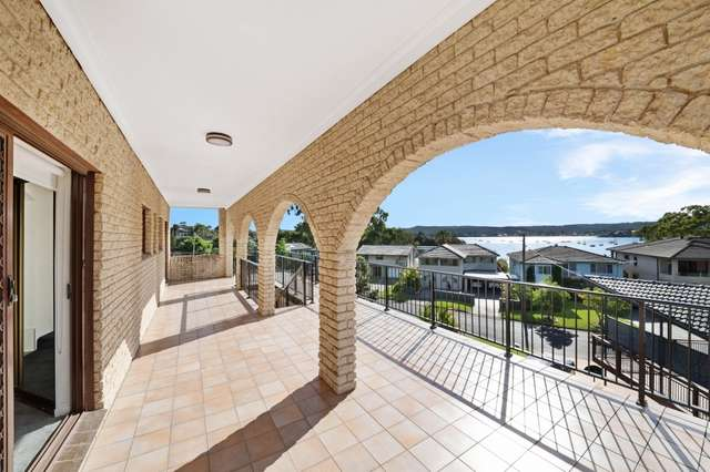 181 Avoca Drive, Green Point NSW 2251