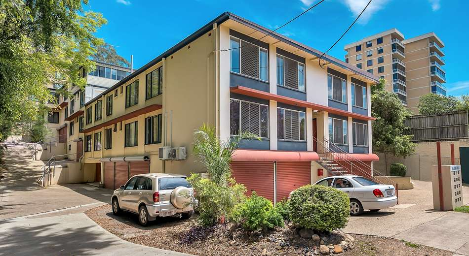 7/75 Sir Fred Schonell Drive, St Lucia QLD 4067