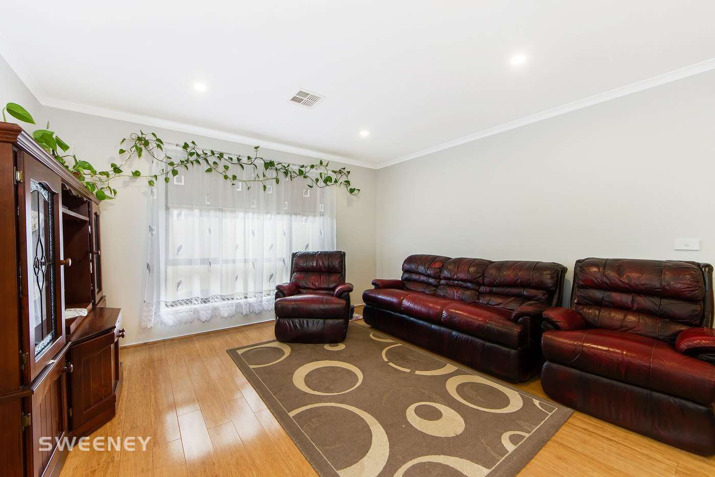 Sixth view of Homely house listing, 5 Masefield Court, Delahey VIC 3037