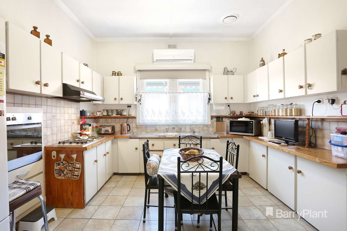 Fifth view of Homely house listing, 584 Bell Street, Pascoe Vale South VIC 3044