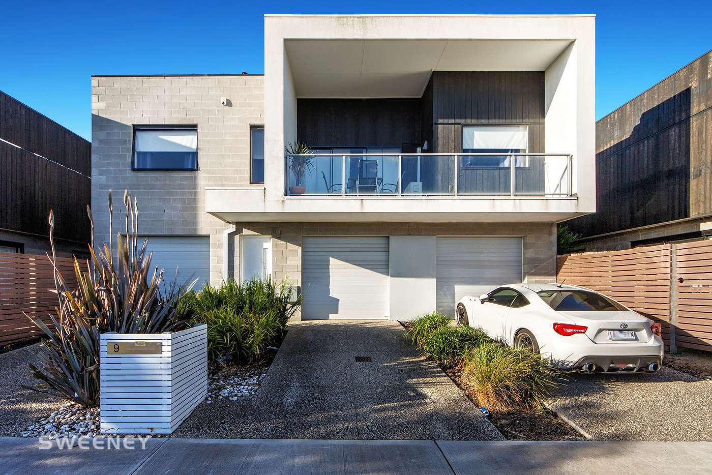 Main view of Homely townhouse listing, 9 Fontana Close, Sunshine West VIC 3020