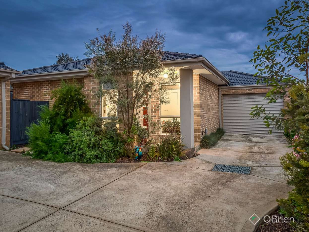 Main view of Homely townhouse listing, 2/9 Elton Road, Ferntree Gully, VIC 3156