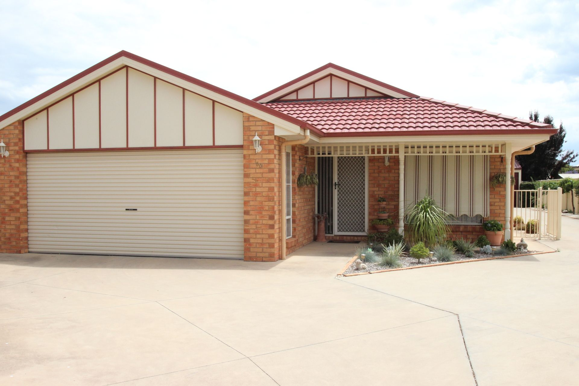 50 Buchanans Road