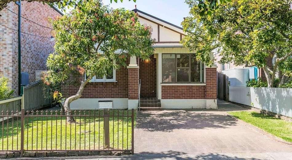 17 Howley Street, Rodd Point NSW 2046