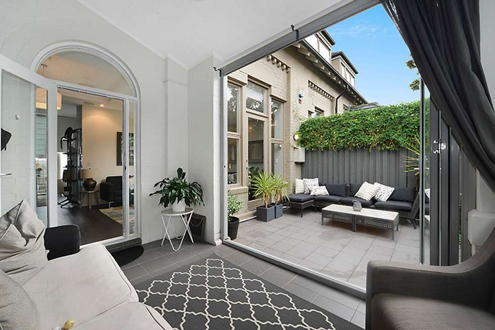 7 61A Albany Road Stanmore
