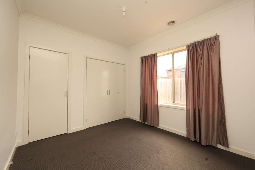 Fifth view of Homely house listing, 8 Methven Avenue, South Morang VIC 3752