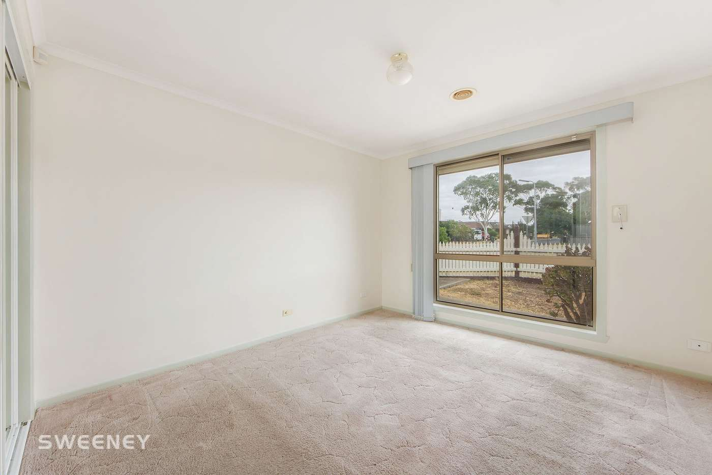 Fifth view of Homely unit listing, 14 Vanessa Way, Delahey VIC 3037