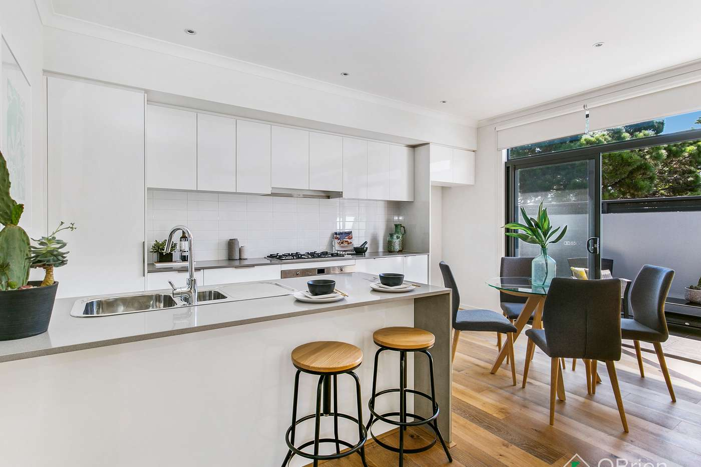 Fifth view of Homely townhouse listing, 2/297 Station Street, Chelsea VIC 3196
