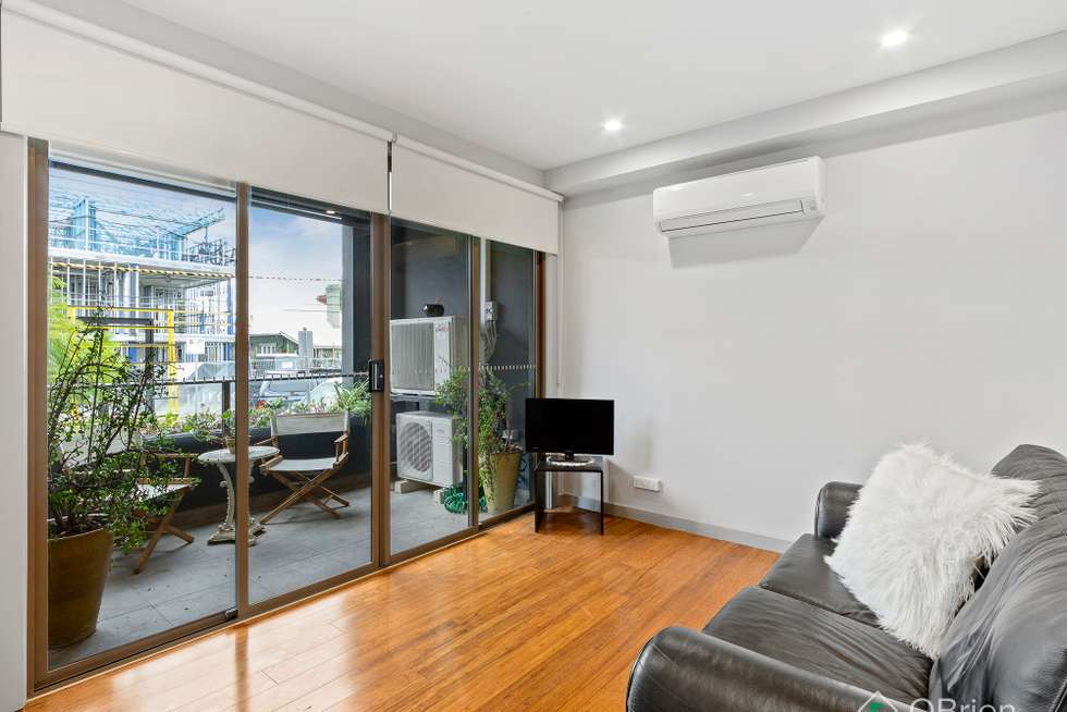 Fourth view of Homely apartment listing, 1/11 Railway Crescent, Hampton VIC 3188