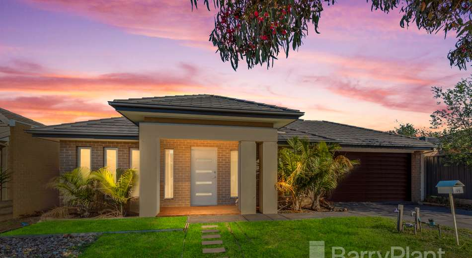 15 Canons Crescent, Manor Lakes VIC 3024