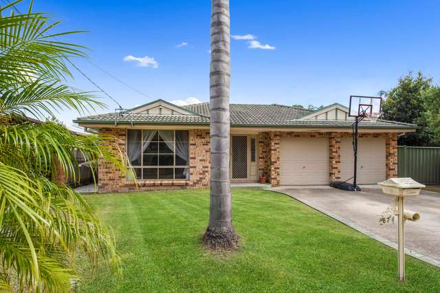 67 River Road, Lake Tabourie NSW 2539