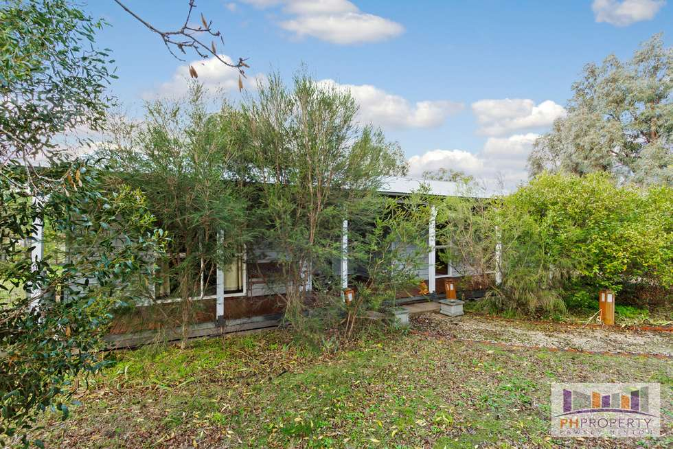 Second view of Homely house listing, 1 Popeks Road, Maldon VIC 3463