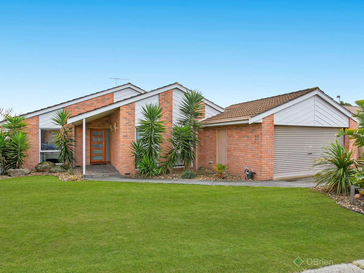 Main view of Homely house listing, 125 Amber Crescent, Narre Warren, VIC 3805