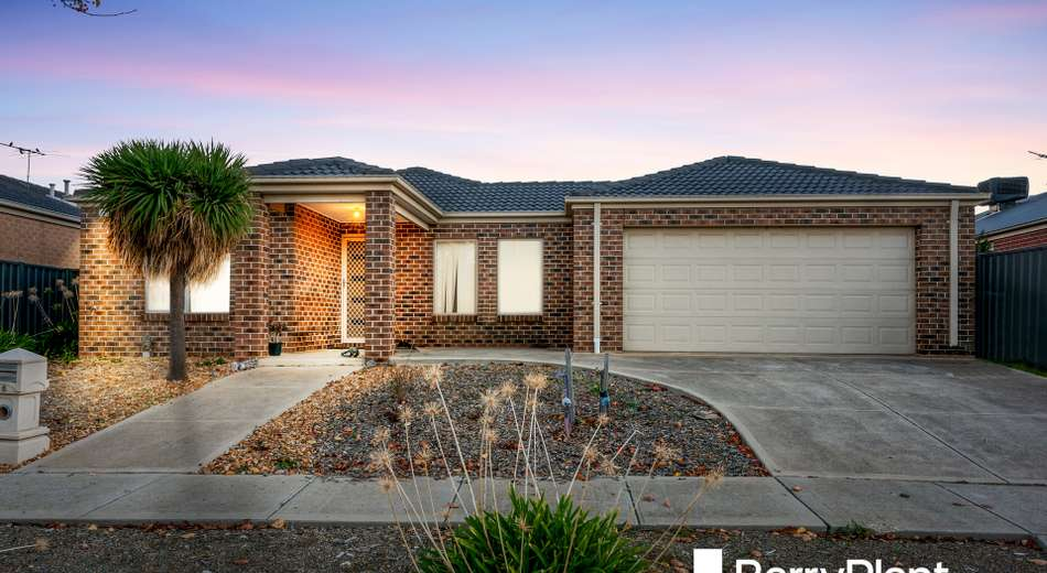 16 Clematis Crescent, Manor Lakes VIC 3024