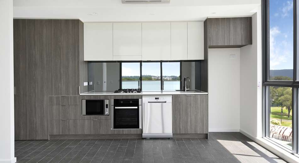 232/1-39 Lord Sheffield Circuit, Penrith NSW 2750