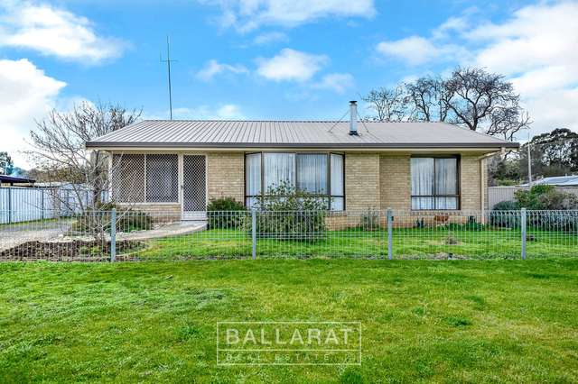 12 Lawrence Street, Dunolly VIC 3472