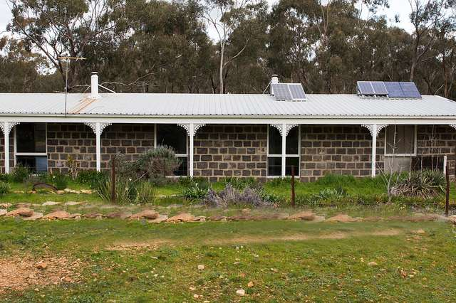 16 Pierce Hill Road, Dunolly VIC 3472