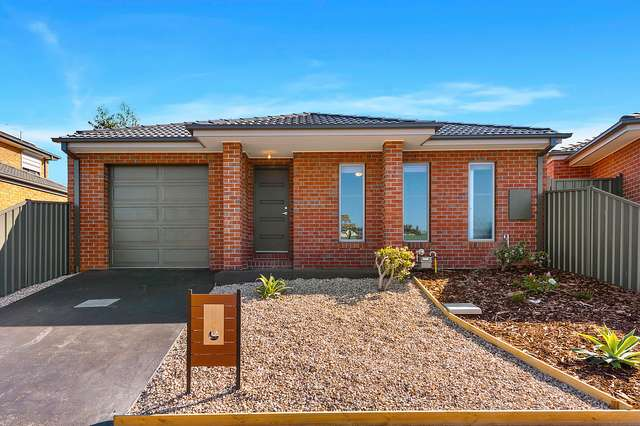 77 Halletts Way, Bacchus Marsh VIC 3340