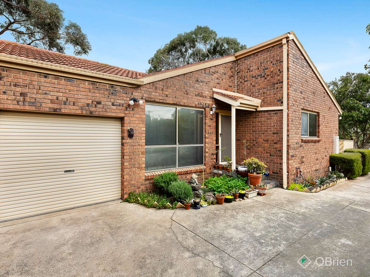 Main view of Homely unit listing, 1/10 Renowden Street, Cheltenham, VIC 3192