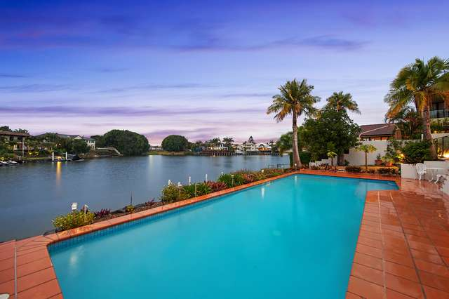 8 Staysail Crescent, Clear Island Waters QLD 4226