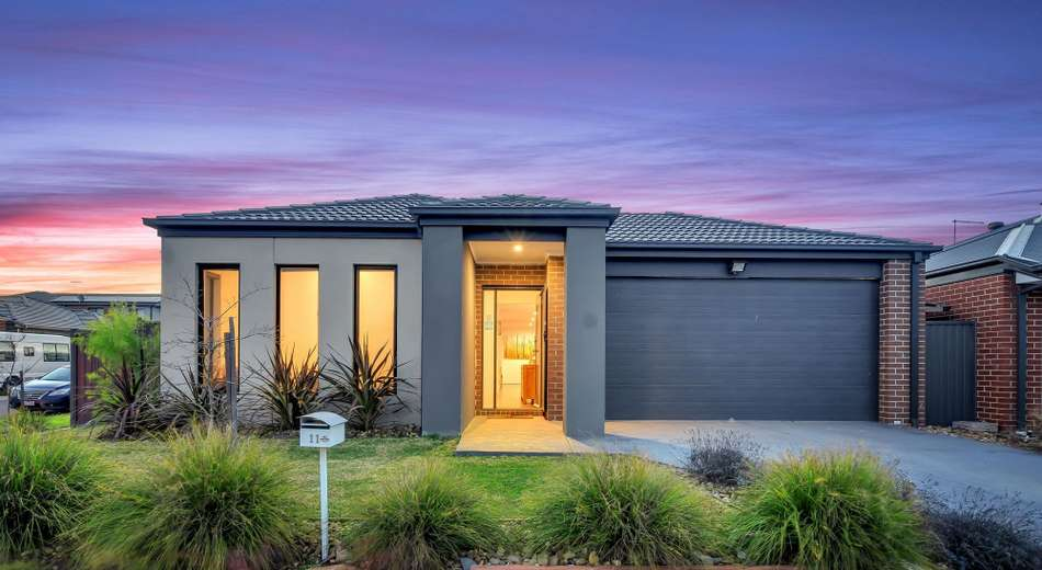11 Canmore Street, Cranbourne East VIC 3977
