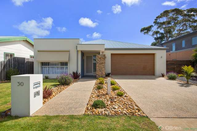 30 Highland Avenue, Cowes VIC 3922