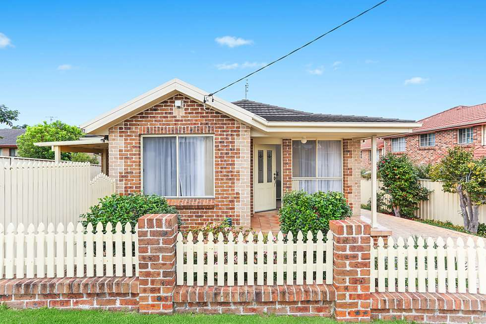 Third view of Homely villa listing, 1/17 William Street, Keiraville NSW 2500