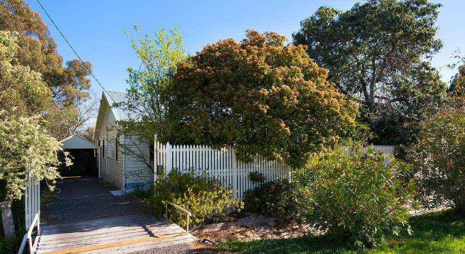 16 Tomkies Road, Castlemaine VIC 3450
