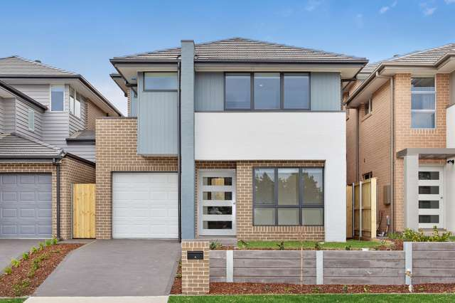 25 Thorpe Way, Box Hill NSW 2765