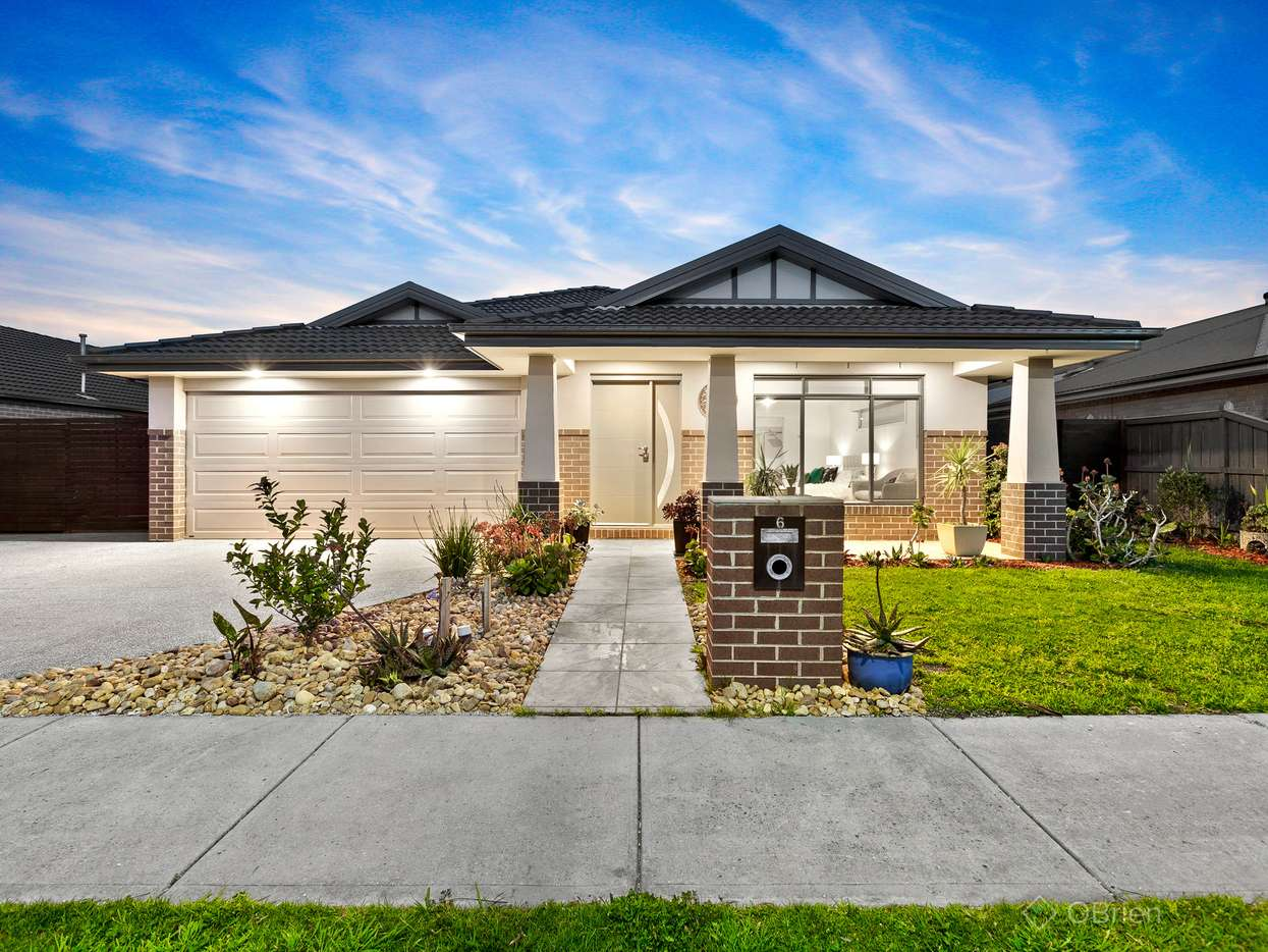 Main view of Homely house listing, 6 Moonlight Rise, Cranbourne East, VIC 3977