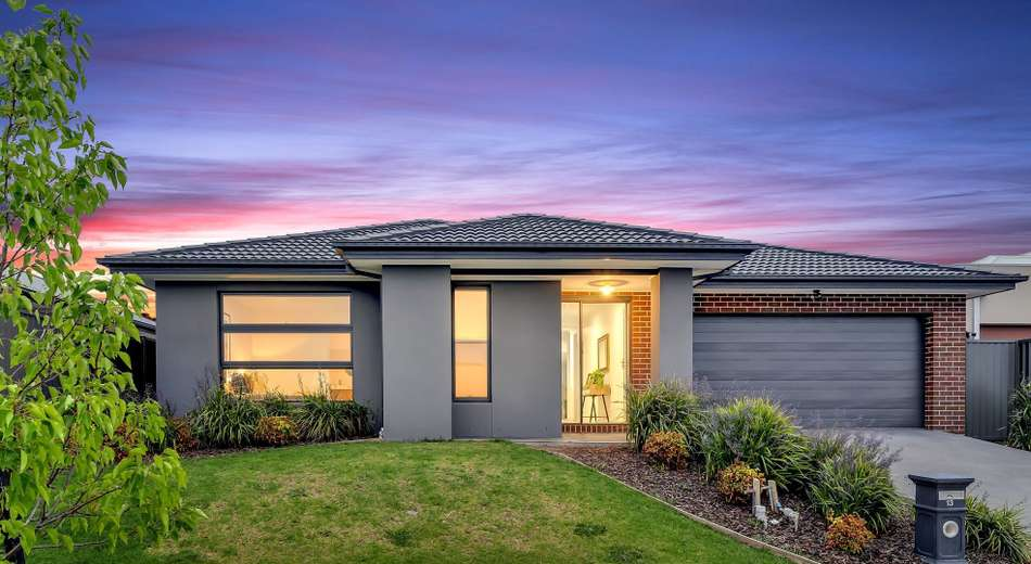 13 Cedarbank Court, Cranbourne East VIC 3977