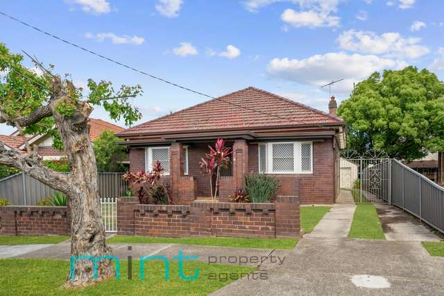 1 Manning Avenue, Strathfield South NSW 2136