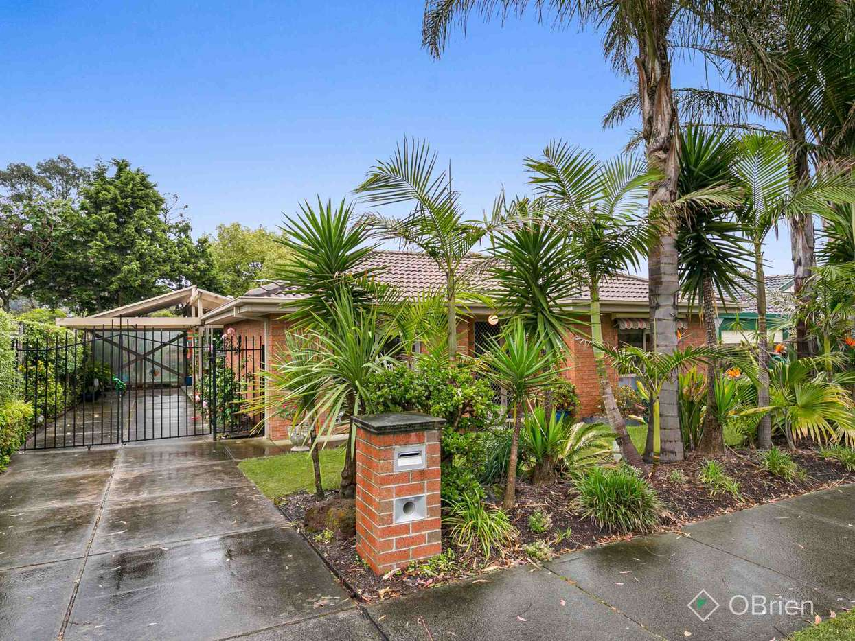 Main view of Homely house listing, 16 Oberon Drive, Carrum Downs, VIC 3201
