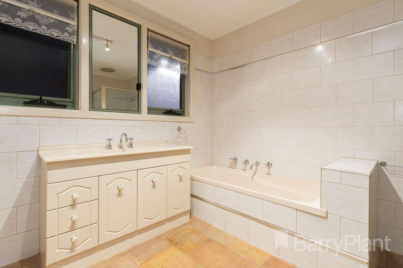 Sixth view of Homely house listing, 34 Elmsford Court, Keysborough VIC 3173