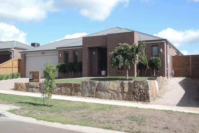 27 Gordon Boulevard, Gisborne VIC 3437