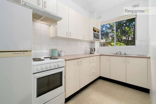 2/9-11 Santley Crescent, Kingswood NSW 2747