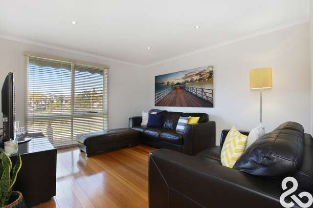1 Peacock Close, Mill Park VIC 3082