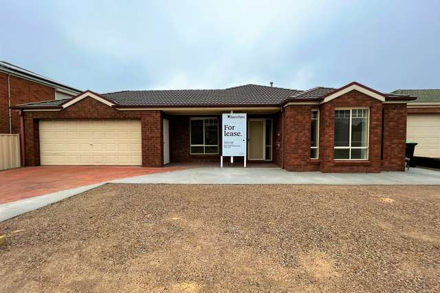 22 Marrowie Place, Taylors Hill VIC 3037