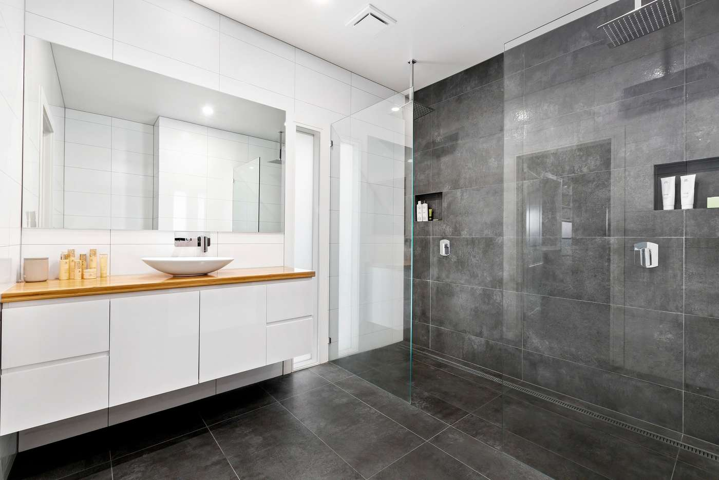 Seventh view of Homely house listing, 130 Woodhouse Grove, Box Hill North VIC 3129