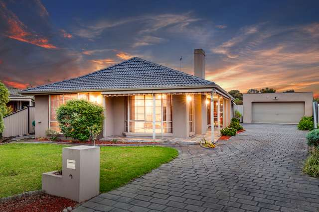 6 Cromer Place, Keilor Downs VIC 3038
