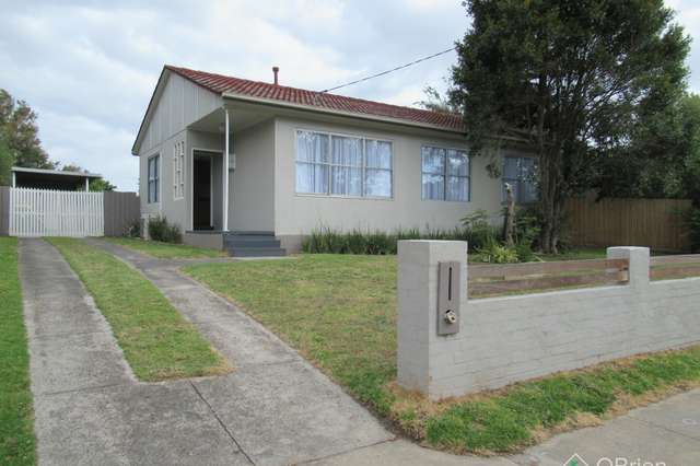 84 Forest Drive, Frankston North VIC 3200