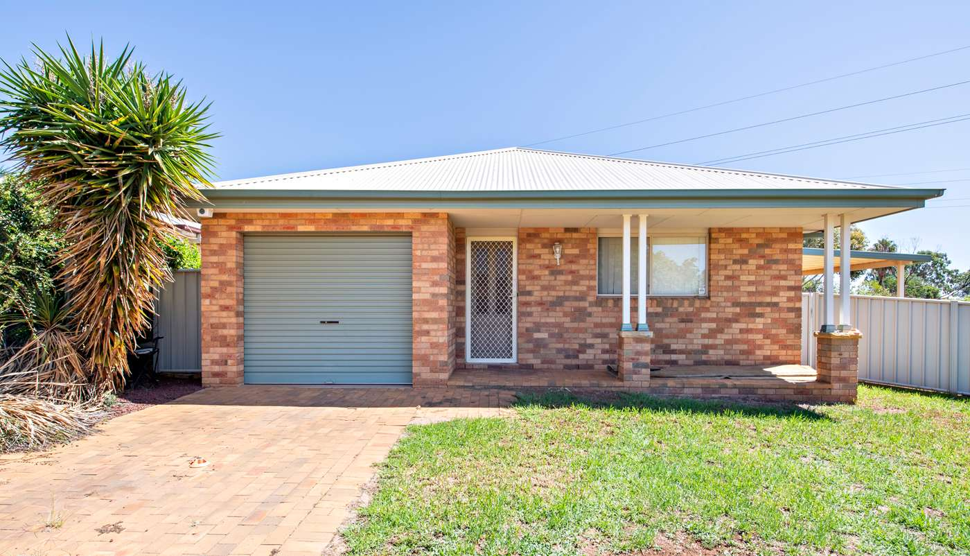Main view of Homely house listing, 76 Twickenham Drive, Dubbo, NSW 2830