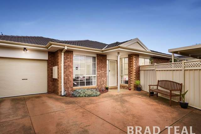 2/30 Highlands Avenue, Airport West VIC 3042